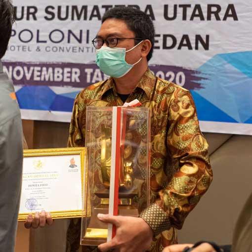 ferri azwar menerima penghargaan siddhakarya sumatera utara
